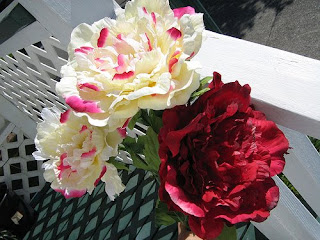 Wedding-Decor-Peony-Flowers-Cream-Red