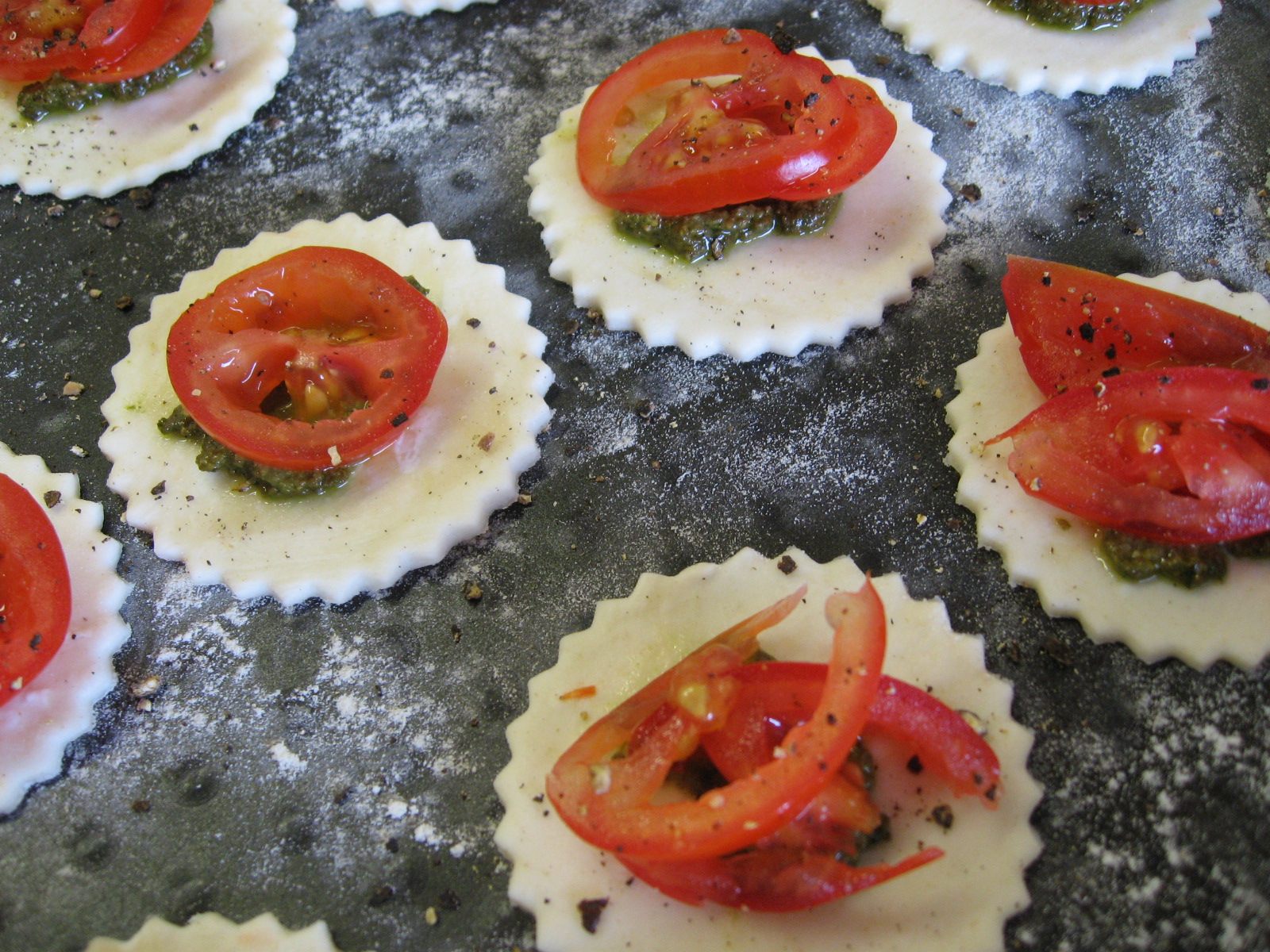 Kitchen delights mini cherry tomato and basil pesto galettes for Mini canape cutters
