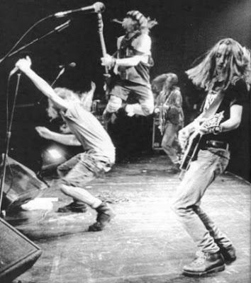 Pearl Jam - The Best Of Medium_pearl_jam_live_2