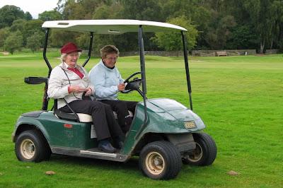 Toni Moffat with SLGA President Ethel Jack - click to enlarge