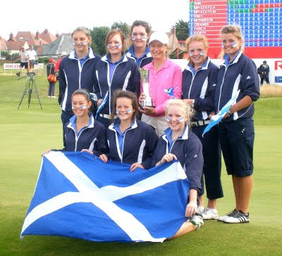 2009 SLGA Junior Team with Catriona Matthew -- Click to enlarge