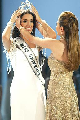 thecrowncompetitors miss universe 2003
