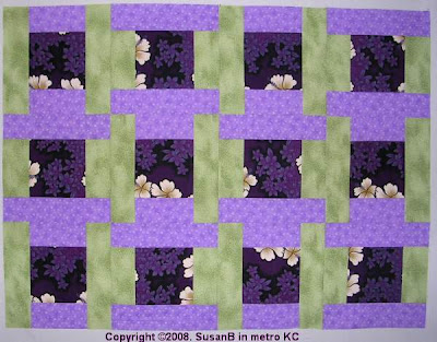squares and interlocked Ts quilt