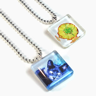 russian blue cat, flower pendant