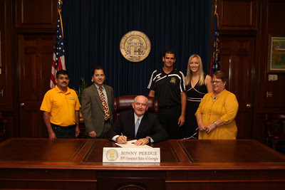 Sonny+Perdue2 GOVERNOR SONNY PERDUE PROCLAIMS SEPTEMBER 2009 AS YOUTH SOCCER MONTH IN THE STATE OF GEORGIA