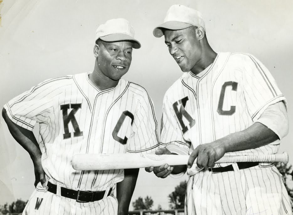 50a91b62e The Royals donned uniforms based on the 1951 and  52 Monarchs style