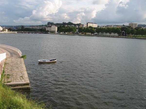 河口海灣漲潮後,水滿美景