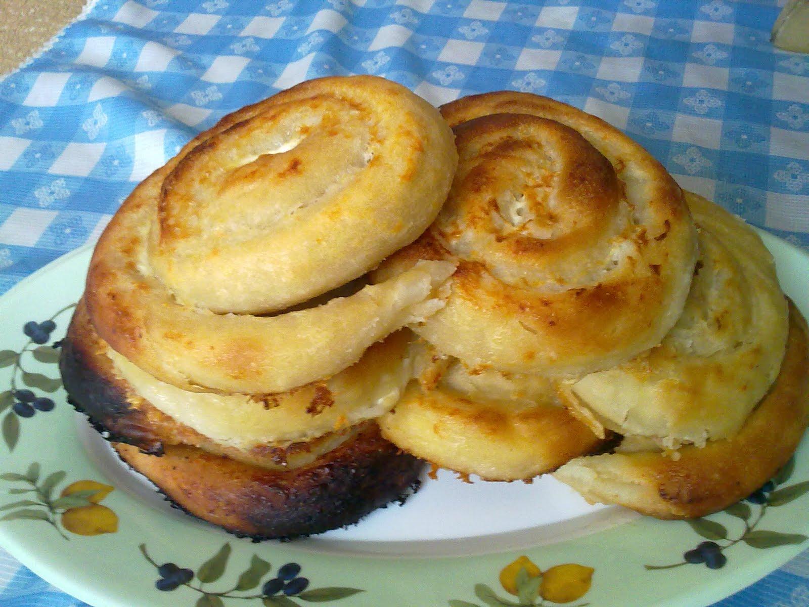 Peynirli Gül Poğaça