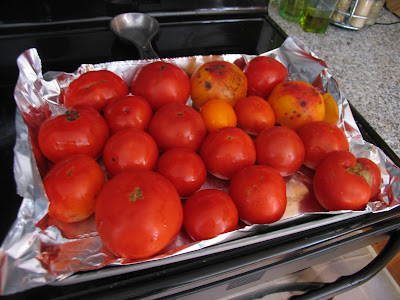 How to Make a Big Batch of Roasted Tomato Sauce to Store for the Winter