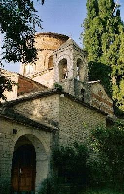 Shkrime të ndryshme mbi lashtësin e popullit Shqiptar 08-+Kisha+e+Laboves+se+Kryqit