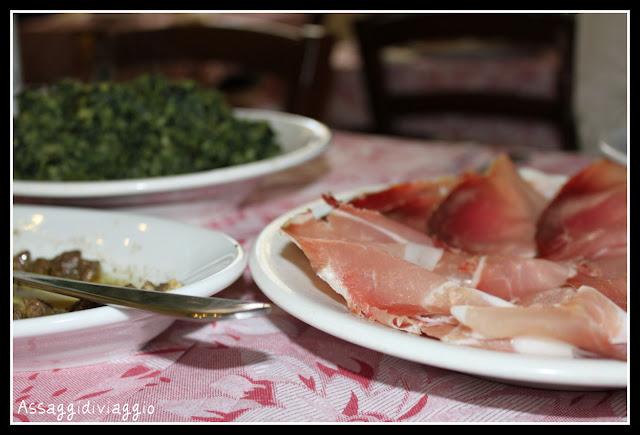 Pizza sotto lo focu-Bar Ristorante delle sorelle Pesciaioli a Portaria