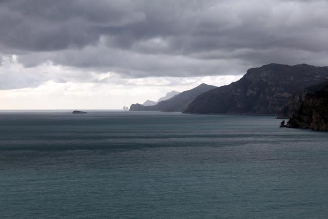 Costiera amalfitana e faraglioni di Capri