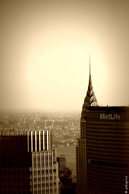 Metlife e Chrysler building visti dal Top of the Rock-New York