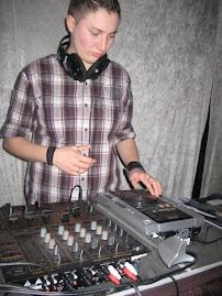 DJ pinktrol