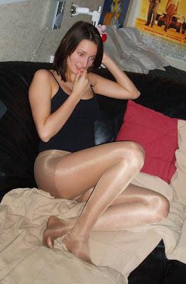 girls wearing ripped pantyhose