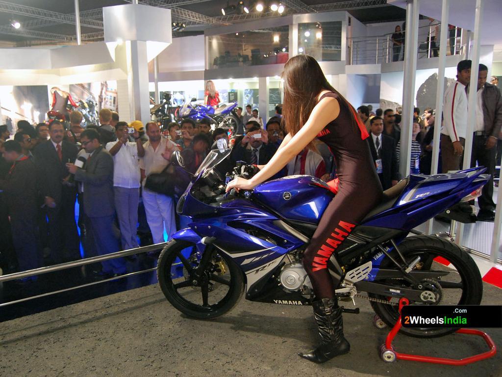 2009 Yamaha YZF-R15 Motor Show