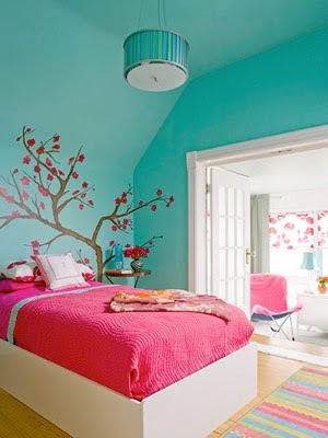 turquoise room from bhg Color of the Year 2011: Honeysuckle 20