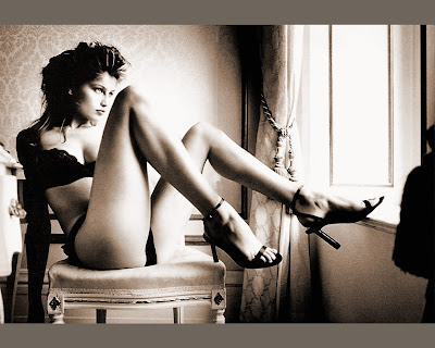 laetitia casta legs: high resolution laetitia casta wallpaper, laetitia casta shows her sexy long legs in sephia colored wallpaper