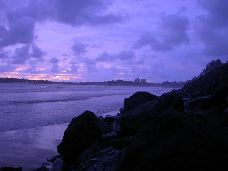 versova beach mumbai in the evening light