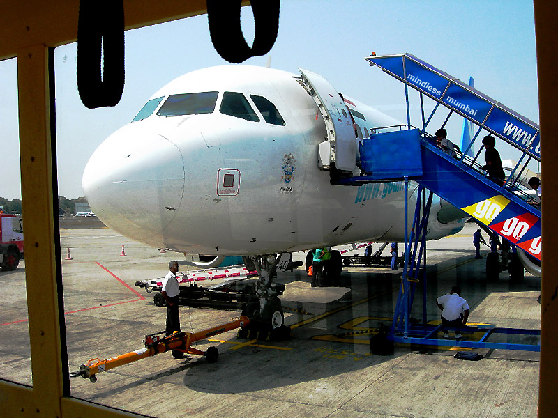 aeroplane docked at mumbai airport