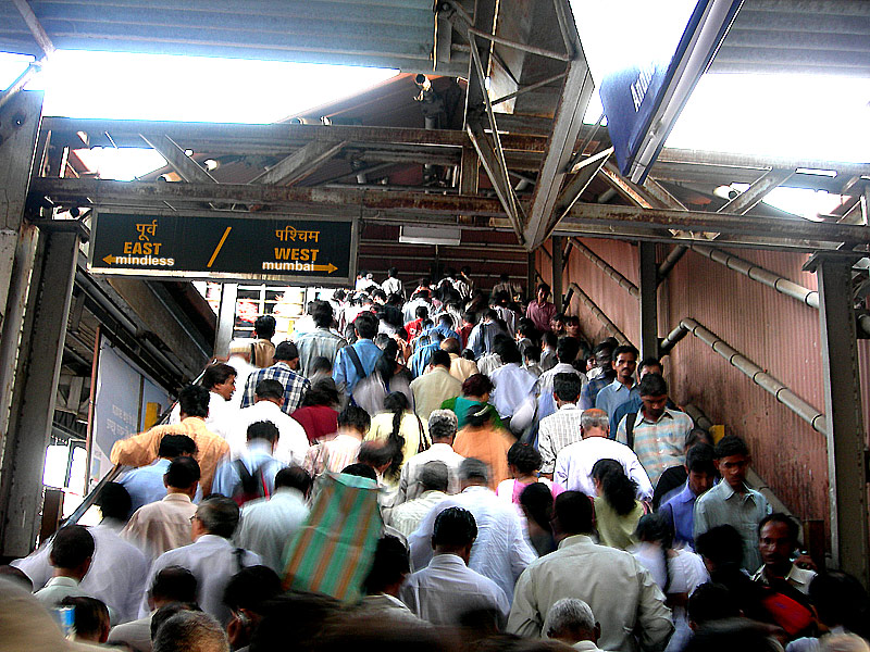 crowds at andheri railway station