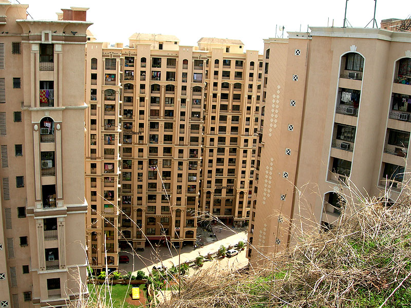 buildings next to gilbert hill in andheri in mumbai by kunal bhatia