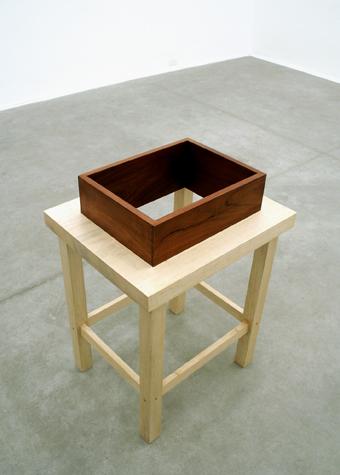 [caixa_mesa_1_crop_bx.jpg]