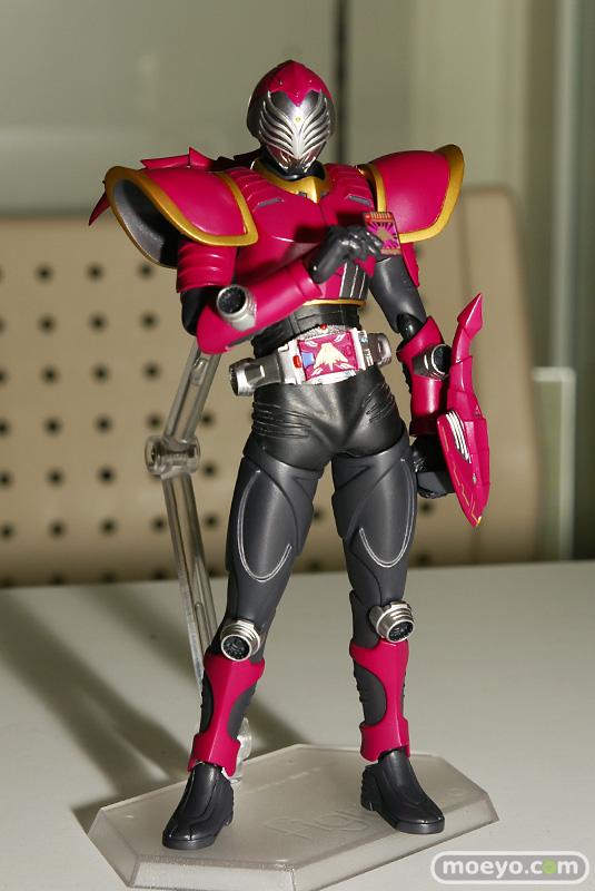 guNjap: Review: Figma Kamen Rider Sting (Dragon Knight ...