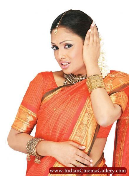 Actress Anju Arvind Lip Malayalam Sexy