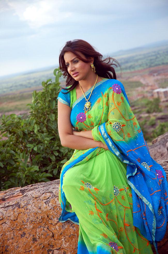 pooja gandhi sexy photos