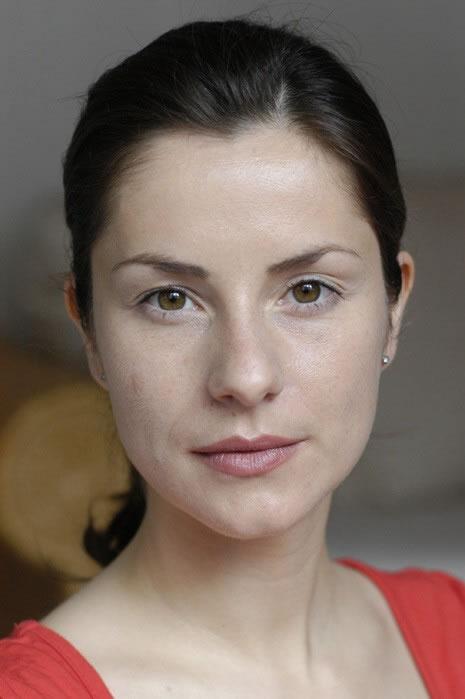 Nina Azizi