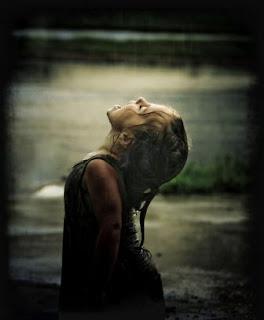 تحت المطر الرمادي ! taste-of-rain.jpg