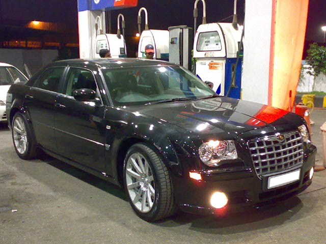 chrysler 300c 300c srt8 in india. Black Bedroom Furniture Sets. Home Design Ideas