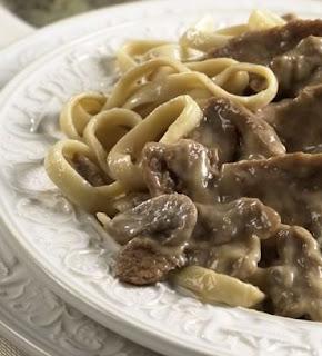 Yummy halal recipes easy beef stroganoff easy beef stroganoff forumfinder Images