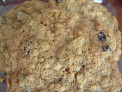 Yummy Halal Recipes: Oatmeal Raisin Cookies
