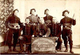 La ceinture de laine pour les troupes d Afrique était à l origine et  jusqu en 1862 un accessoire vestimentaire de couleur variable, destiné à  préserver des ... 353359d2361