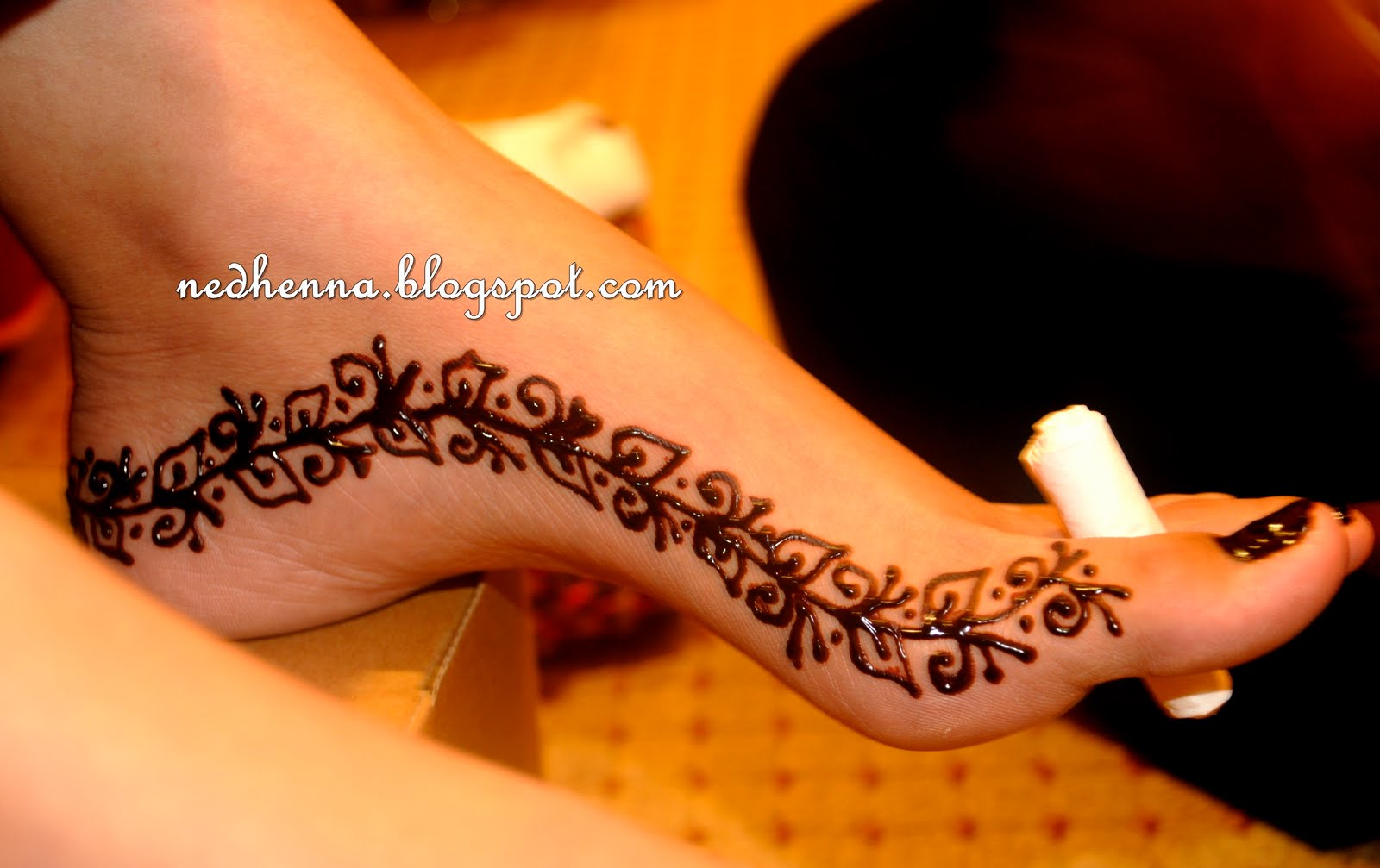 Motif Henna Untuk Kaki Simple