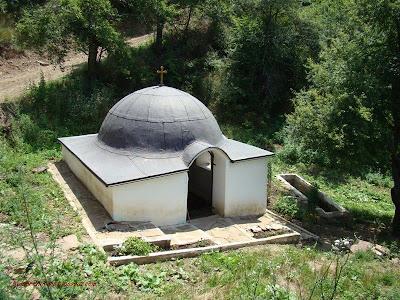 Аязмото на Гигински манастир