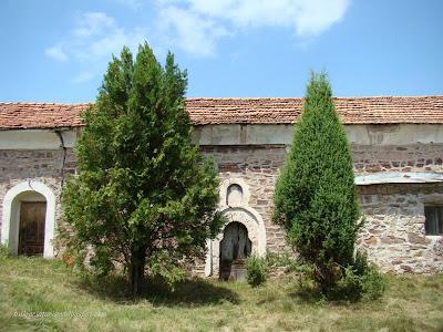 Свети Никола Летни, село Бегуновци - български църкви