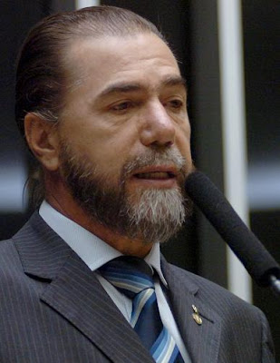 El diputado pro-vida Luis Bassuma