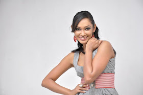 Srilankan Models & Actresses: Latest pictures of Yureni