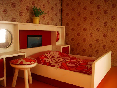 Vintage Lundby dolls' house 1970s-style bedroom.