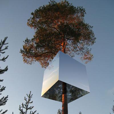 https://i1.wp.com/1.bp.blogspot.com/_Ymx9e66vrGc/Sbn6iz8GtmI/AAAAAAAAIR0/o-LKfVdN3Mg/s400/tree-hotel-by-tham-videgard-hansson-arkitekter-squ-harads1.jpg
