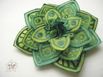 žalia šilko gėlė, šilko tapyba / green silk flower, silk painting, hand painted silk flower