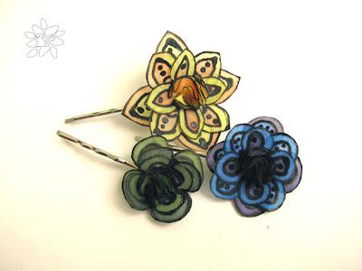 three small silk flowers hair pins / trys maži segtukai su šilko gėlėmis