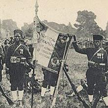 TIRAILLEURS AFRICAINS SUR LE CHAMP DE BATAILLE