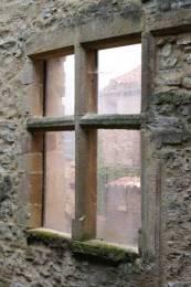 Cordes sur Ciel : Une fenêtre ancienne de la maison Gaugiran.