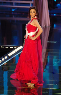 Agni elegant in red dress 02