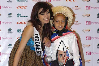 Agni with child from USA