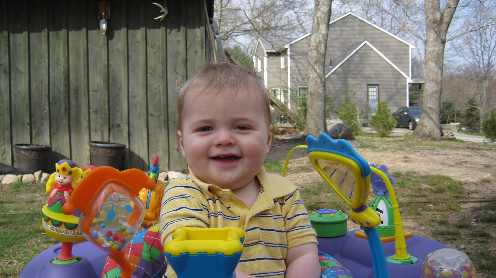 Monster and Bear: we have fun in the backyard